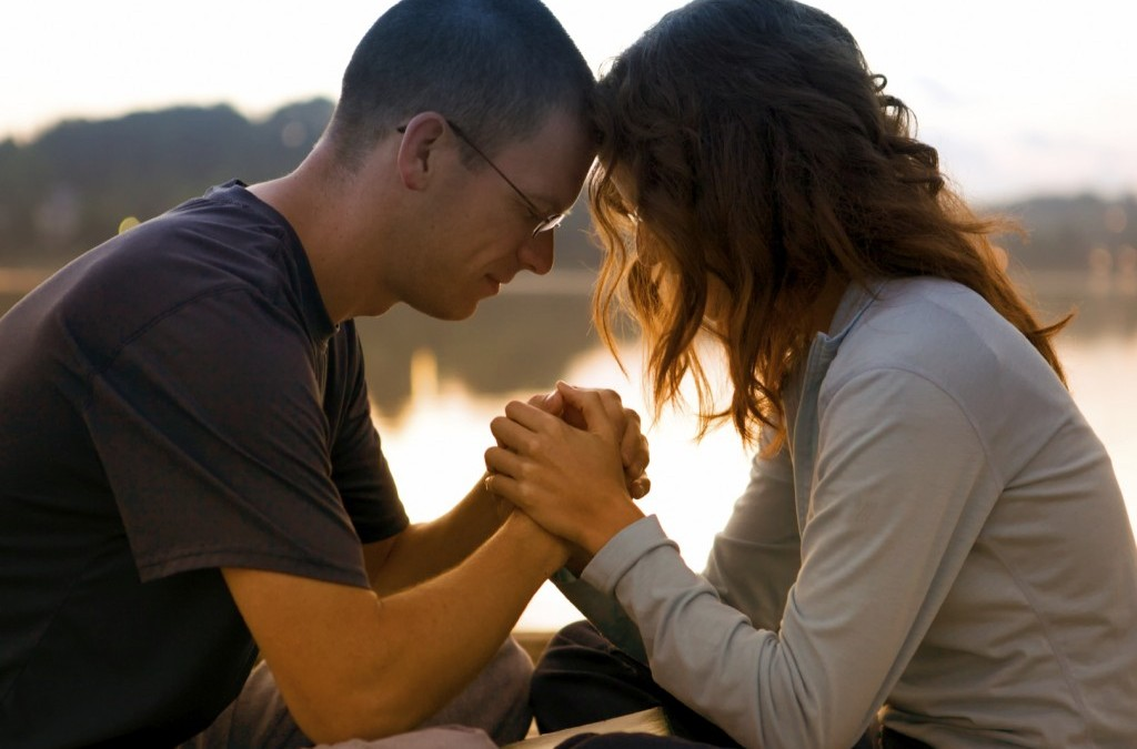 How to Pray with Your Spouse: Four Simple Steps